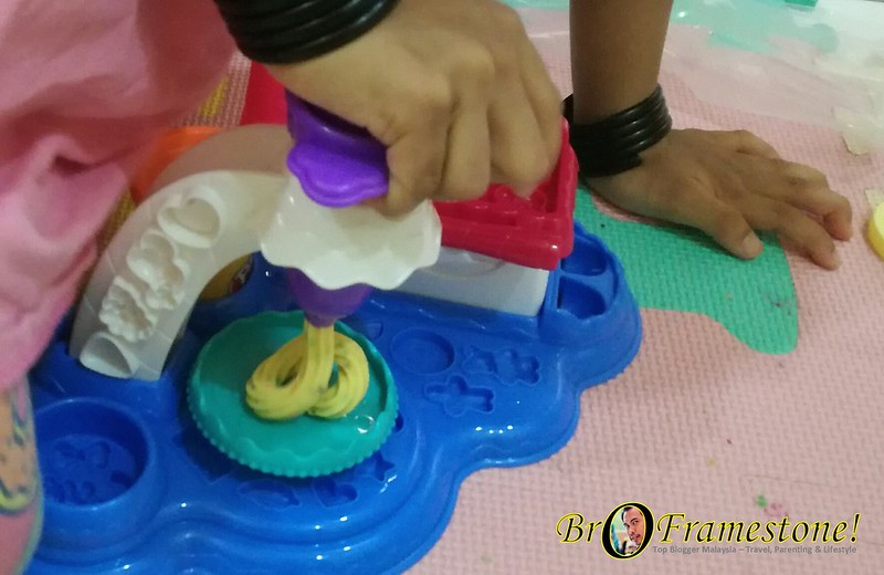 Play-Doh Cake Party