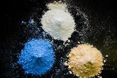 Colourful gypsum powder