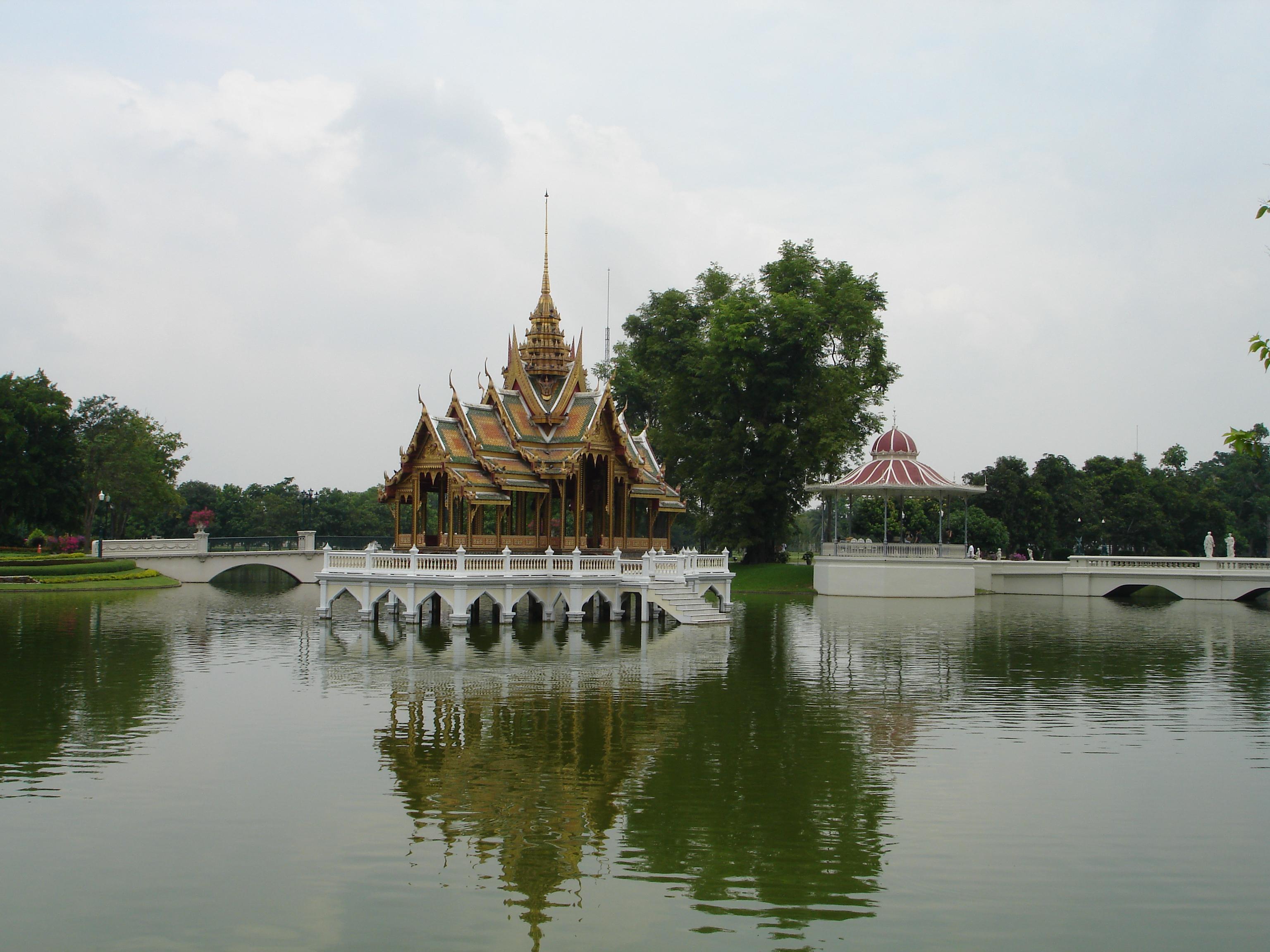 Bang Pa-In Royal Palace. Photos taken by Mark Jochim on May 16, 2006.