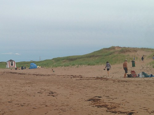 Packing up, North Rustico Beach #pei #princeedwardisland #northrustico #rustico #beach #gulfofstlawrence #latergram