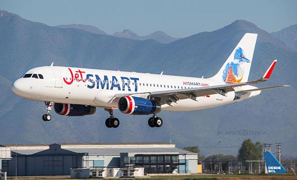 JetSMART A320 CC-AWB (R. Zapata)