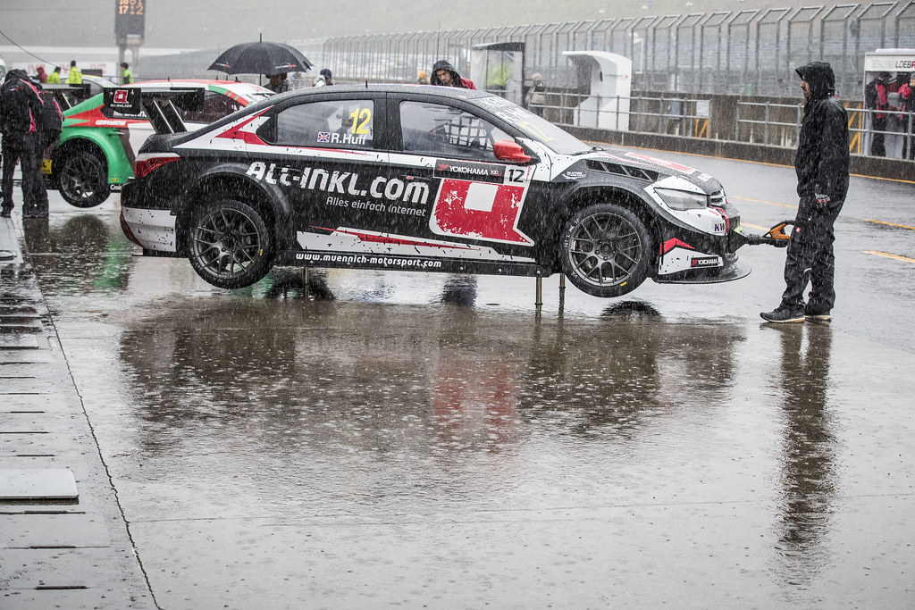 12 HUFF Rob (gbr) Citroen C-Elysee team ALL-INKL.COM Munnich Motorsport ambiance pluie rain  during the 2017 FIA WTCC World Touring Car Championship race at Motegi from october 27 to 29, Japan - Photo Gregory Lenormand / DPPI