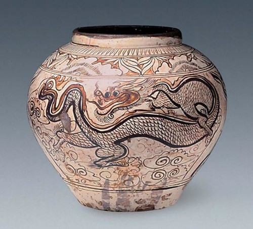 Relics including this jar decorated with a dragon and phoenix design have been found. (Image- Chinese Cultural Relics ) From ancient-origins.net