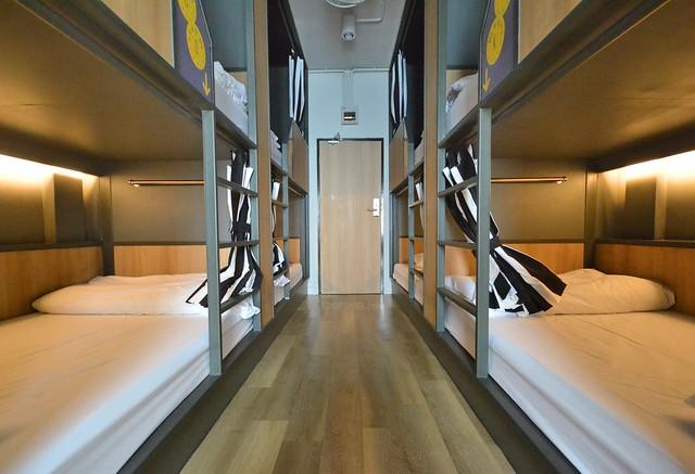 brb hostel bangkok silom dorm room