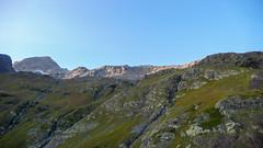Wcześnie rano startujemy na szczyt Marjanishvili 3555m (ten po lewej). Trzeba zaplanować najlepsze podejście.