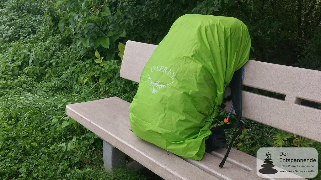 Osprey Rucksack mit Regenschutz