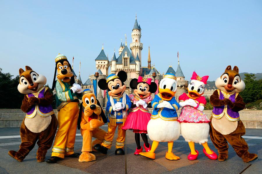 Best-Disneyland-Parks-in-the-World1