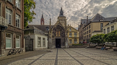 Sint-Servaasbasiliek - Keizer Karelplein - Maastricht