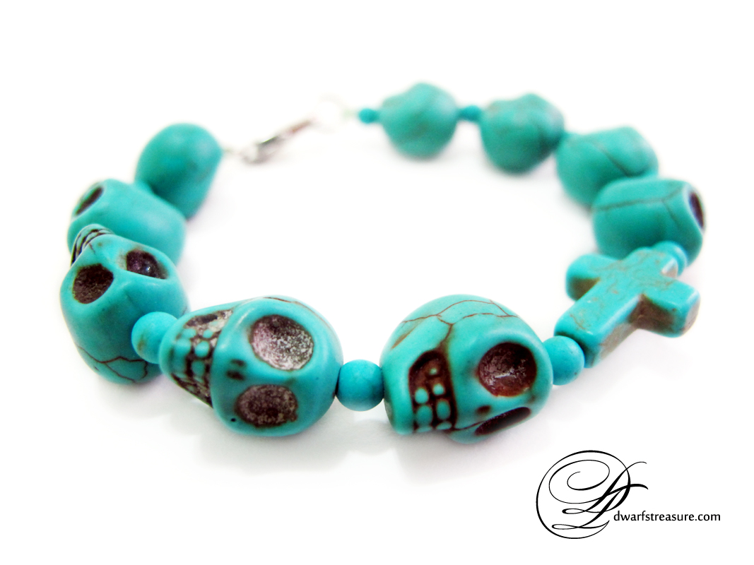 turquoise skulls bracelet as a protective amulet