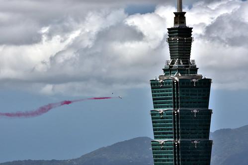 民國106年國慶-雷虎小組-AT3-飛越台北101