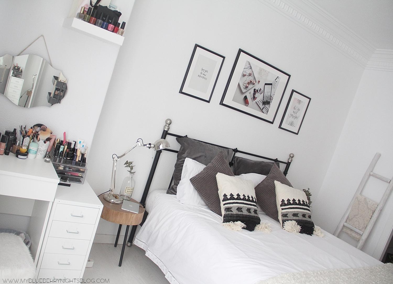 nordic-bedroom-monochromatic-wooden-laders-zarahome-laredoute-home-deco
