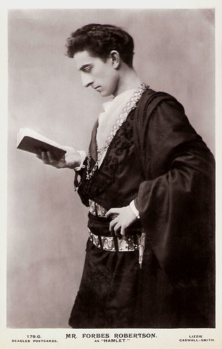 Johnston Forbes-Robertson as Hamlet