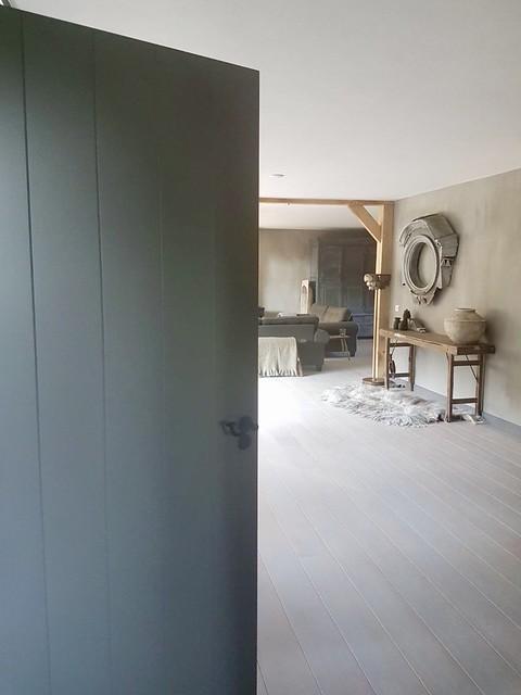 Binnenkijken sober interieur
