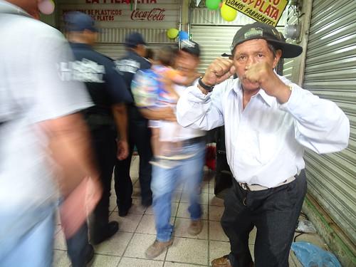 La máxima velocidad del Hombre caminando en el Mercado San Benito.