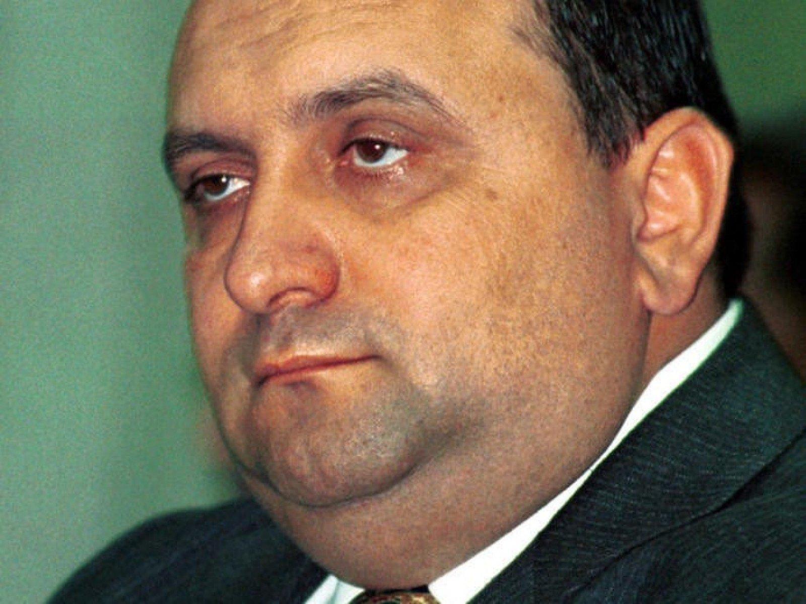 Consilierul mafiotului Dragnea, Dumitru Iliescu, un tigan mostenit de la (semi)tiganul Ion Iliescu