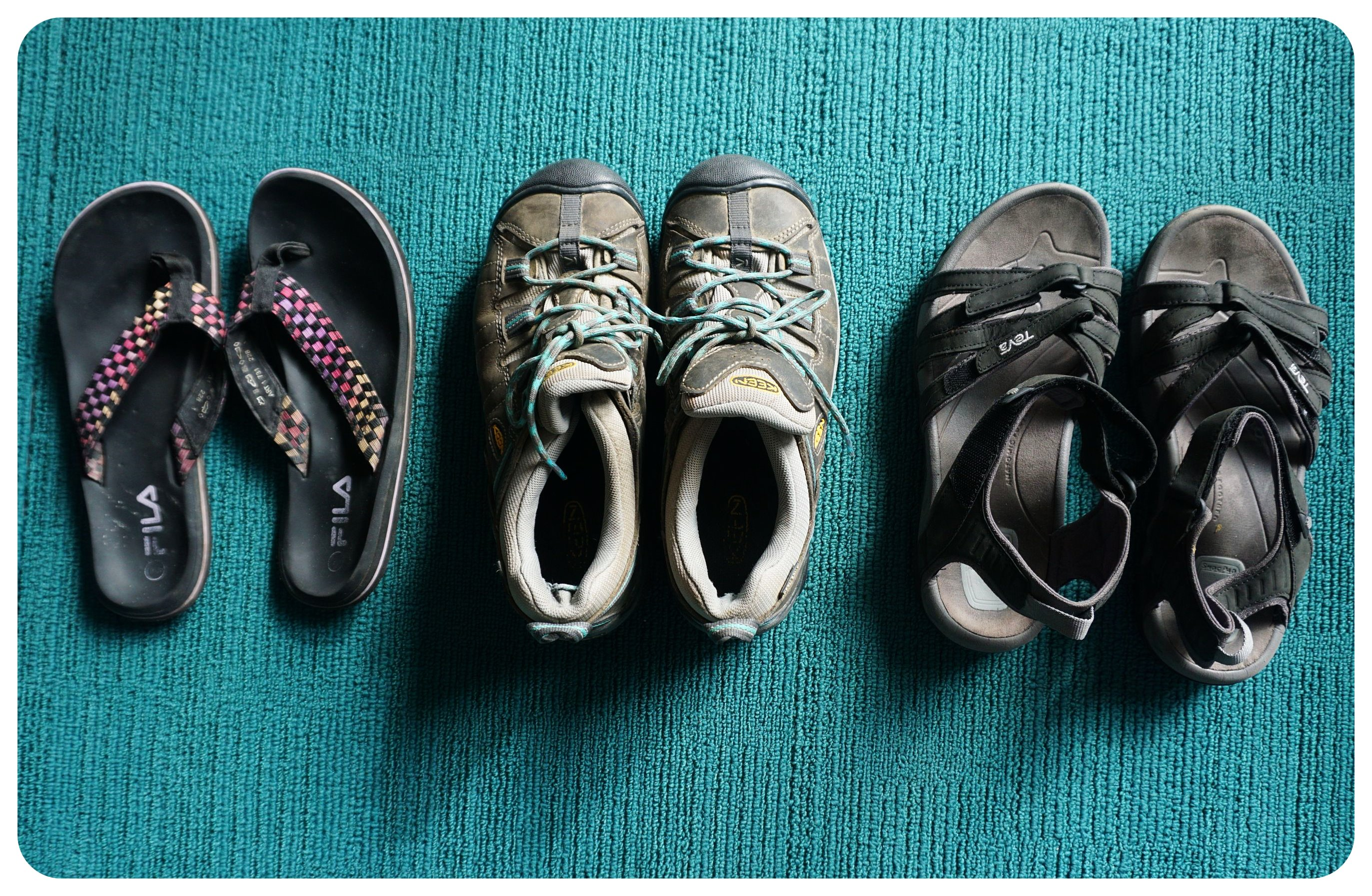 packing list camino de santiago shoes