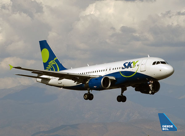Sky Airline A319 CC-AJF app final (RD)