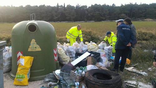 lotta abbandono rifiuti