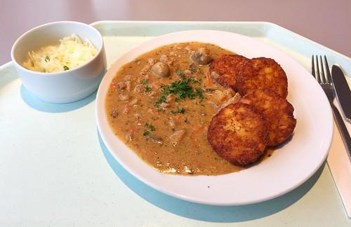 """Pork chop """"Zurich style"""" with hash browns / Schweinegeschnetzeltes """"Züricher Art"""" mit Rösti"""