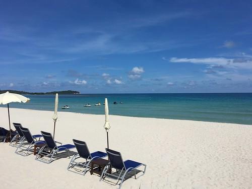 今日のサムイ島 10月6日 昼のチャウエンビーチ、夜のボープット