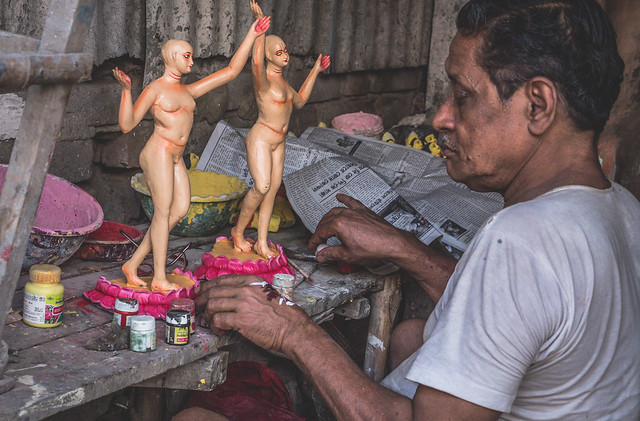 Kolkata - Kumortuli mud Gods sculptures-3 The mud statues of Kolkata you've probably never heard about | Calcutta cultural sights | How to get to Kumortuli to see the mud statues | Durga Puja festival