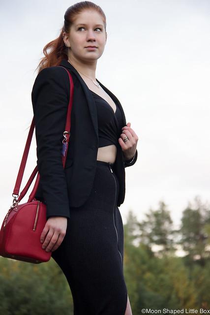 OOTD River Island croptop Guess neulehame neuloshame midihame kynähame knitskirt Skirt DKNY Bag laukku Esprit jakku bleiseri musta jakku tyylibloggaaja