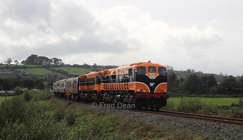 Irish Rail 073 + 071 at Farranfore.