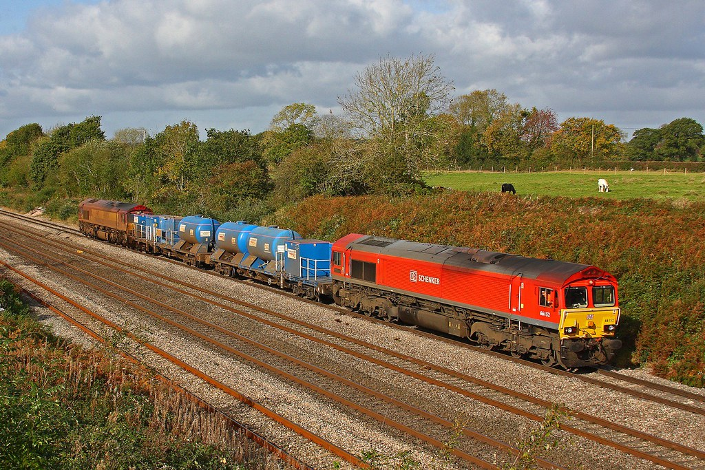 66152 passes Llandevenny  at the head of the RHTT with 66024  on the rear working 3S59 Bartonhill - Bartonhill 17-10-2017