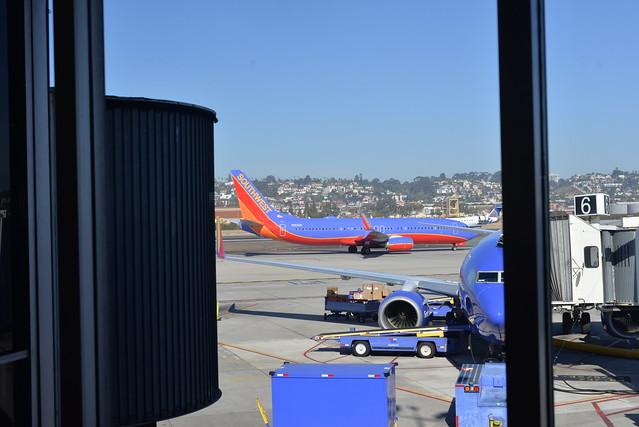 Southwest N8626B 737-800 SAN 11-8-16