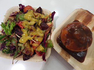 Satuay Pie with Tamarind Sauce, Dill & Mustard Salad, BBQ Tofu Salad from Vegerama