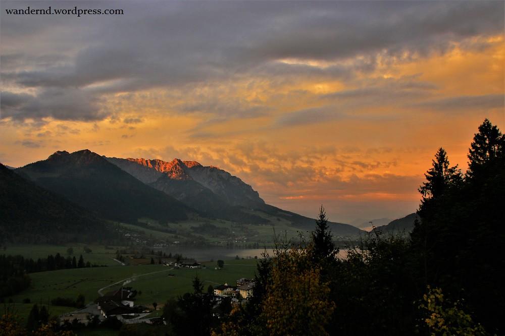 Sonnenaufgang Zahmer Kaiser - Kopie