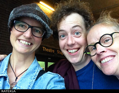 20150815_i7 Me, Matthew Steer, & Catta (Instagram: cattacatarina) by the stage door of Barbican Theatre, where Matthew played Rosencrantz in ''Hamlet'' | London, England