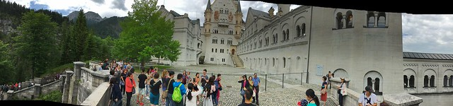Pano of Neuschwanstein entrance