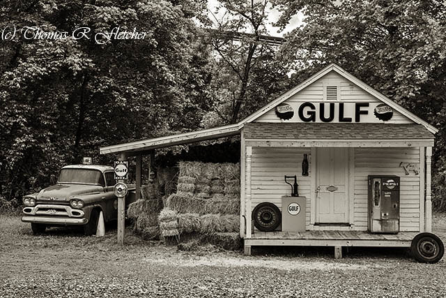 1959 GMC and Gulf Sign