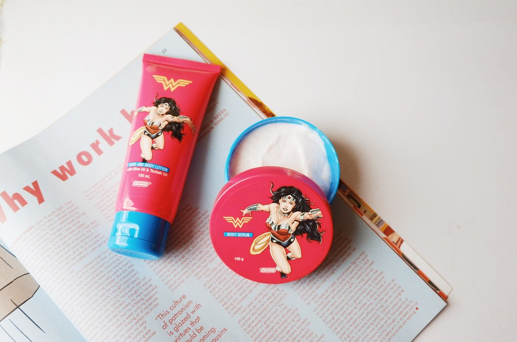 Tupperware Wonder Woman Set