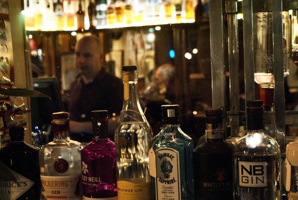 The Waverley bar, l'un des pubs les plus agréables d'Old town à Edimbourg.