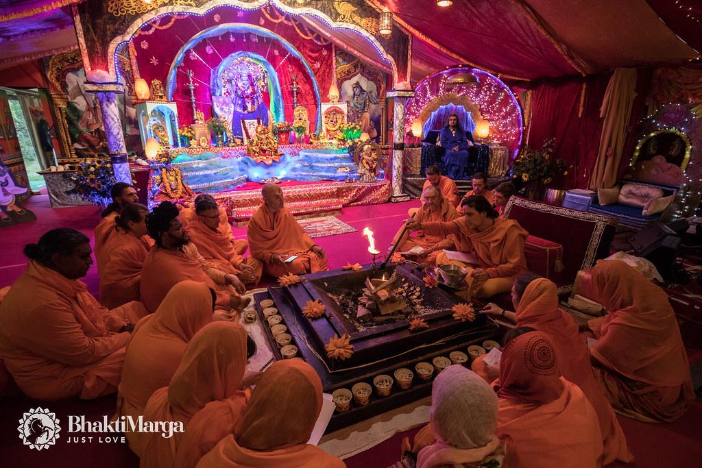 NAVARATRI 2017 Day 4 – Paramahamsa Vishwananda