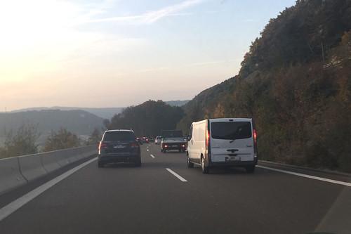 01 - Auf der Autobahn