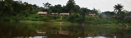 Large village on Lomami's bank