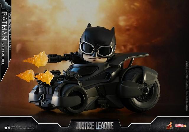 這麼可愛的蝙蝠車看起來毫無殺傷力啊~ Hot Toys – COSB399 正義聯盟【蝙蝠俠&蝙蝠車套組】Justice League Batman & Batmobile Cosbaby Collectible Set