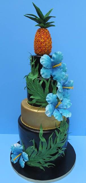 Hawaiian Themed Cake from Cakes by Beatriz