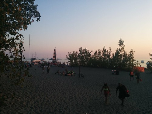 Sun setting at Hanlan's Point (3) #toronto #torontoislands #hanlanspointbeach #beach #evening