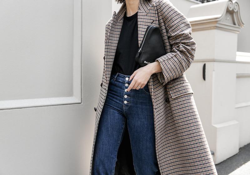 joseph houndstooth coat straight leg jeans tee minimal balenciaga triangle bag clutch street style fashion blogger outfit (4 of 7)