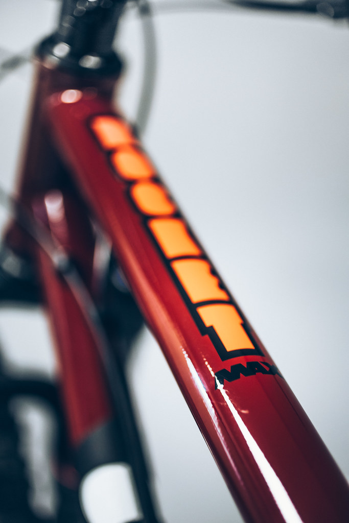 Rocket Max Fast Red, steel full suspension