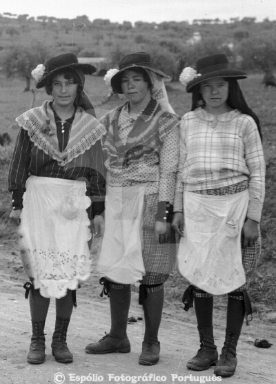 Elvas - Grupo ou Rancho de raparigas do campo