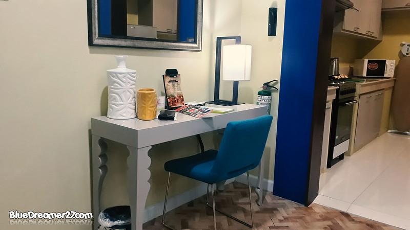 parque-españa-alabang-study-table