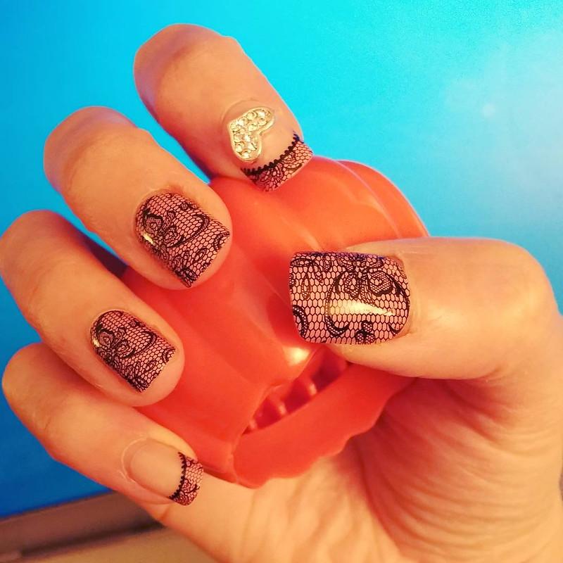 |Syb專欄|只要10分鐘,專業指甲彩繪自己在家搞定 ✦ 好看又好玩的自黏型指甲貼片 stick on nails