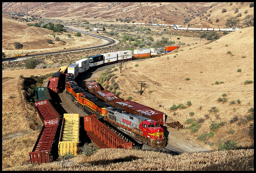 bnsf atsf santa fe warbonnet sp up tehachapi pass caliente ca california tunnel 1