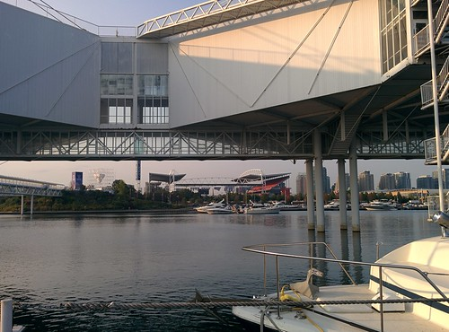 Towards the heart (4) #toronto #ontarioplace #marina #architecture #latergram
