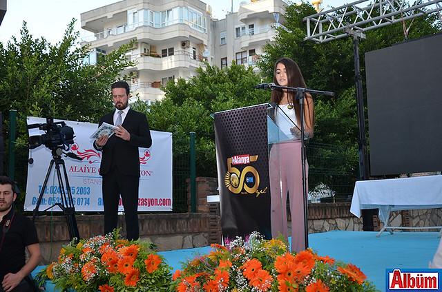 Arıkan Yılmaz Dim Mesleki ve Teknik Anadolu Lisesi öğrencilerinden Gazel Öz'ün tören başında okuduğu şiir katılımcılar tarafından beğeni topladı.